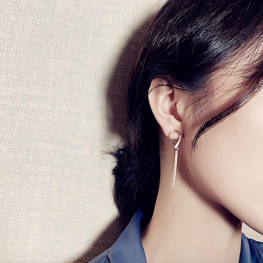 Layla Knot Earrings